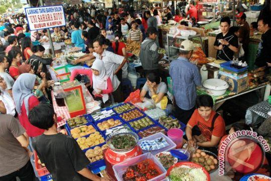 Pasar Ramadhan Sampit diserbu warga