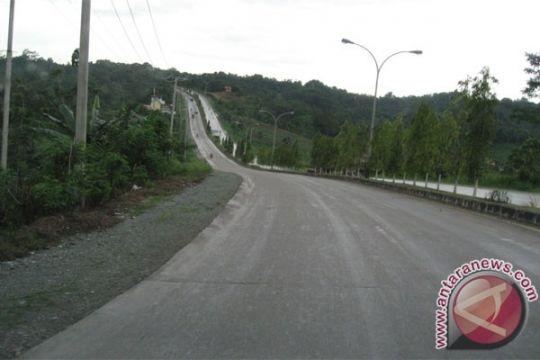 """Polres Labuhanbatu """"buka tutup"""" jalan lintas Sumatera"""