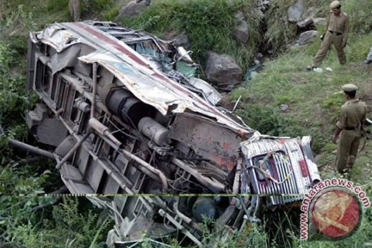 Bus terjun ke jurang di Bolivia, 10 tewas