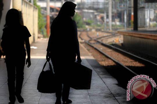 PT KAI bongkar kios-kios di Stasiun Depok Baru