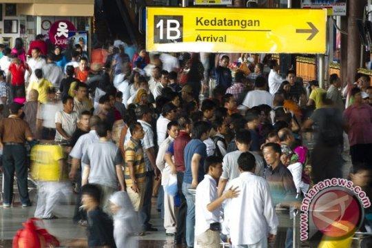 Taksi gelap Bandara Soekarno-Hatta dirazia, ratusan tertangkap