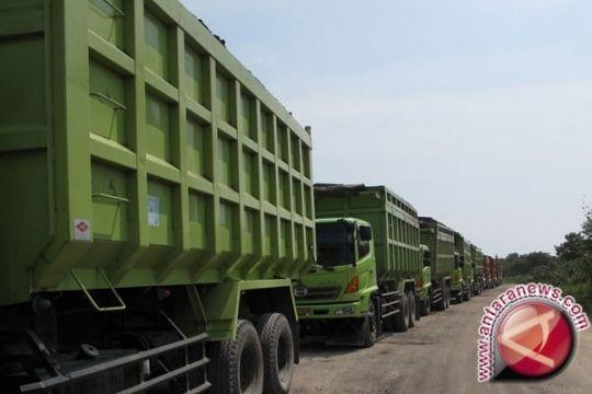 Trust beli tujuh unit dump truk Belarus