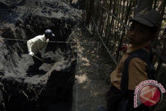 Ada peninggalan megalitikum di Goa Napal Licin Musirawas