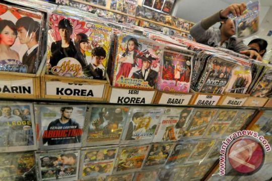 Solusi menumpas film bajakan, penegakan hukum dan apresiasi hak cipta