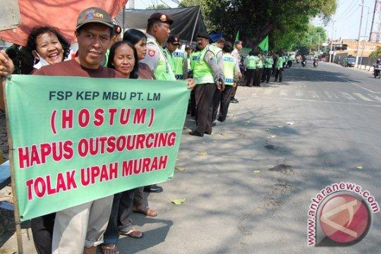 Aliansi Buruh Aceh tuntut kenaikan upah