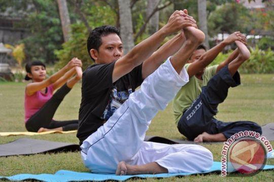 Bali pecahkan rekor MURI yoga 3.600 orang
