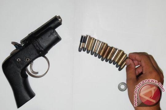 Polisi belum simpulkan pemilik pistol terkait kelompok teroris