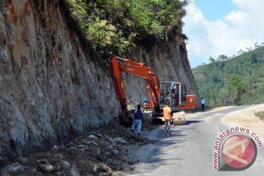 Pulihkan jalur trans utara Flores, dialokasikan anggaran Rp300 juta
