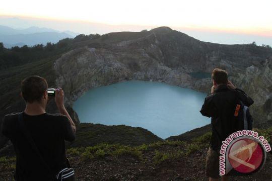 Danau Kelimutu kembali dibuka untuk wisatawan