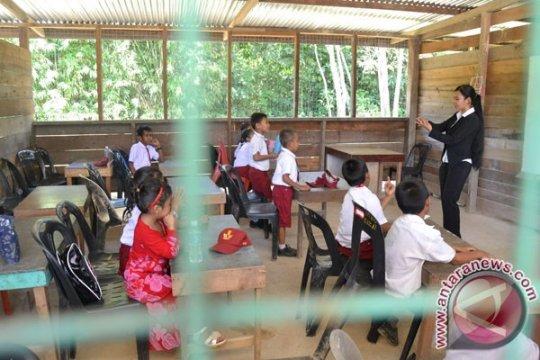 Pemerintah kirim 100 guru ke Malaysia