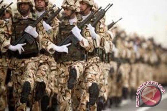 Militer Iran: Musuh fokus pada konflik ekonomi