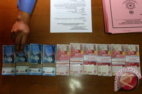 Polisi ciduk PNS terkait mengedarkan Upal
