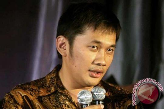 "Hanung Bramantyo jalani ritual saat syuting ""Soekarno"""