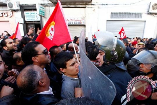 Kisah buruh garmen Tunisia menanti pembayaran upah