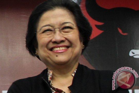 Megawati sebar 20 ribu ikan di waduk Jatiluhur