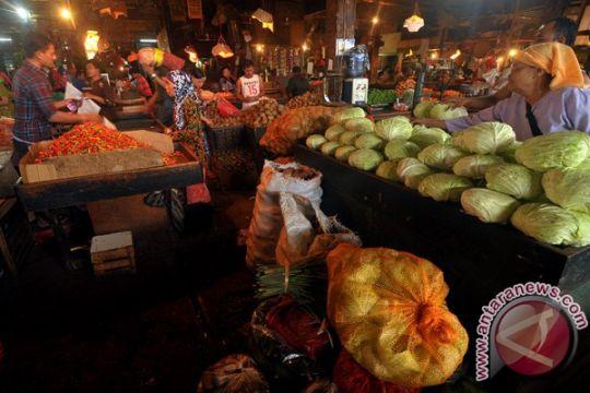 Pasar tradisional di Bandarlampung buka sampai malam