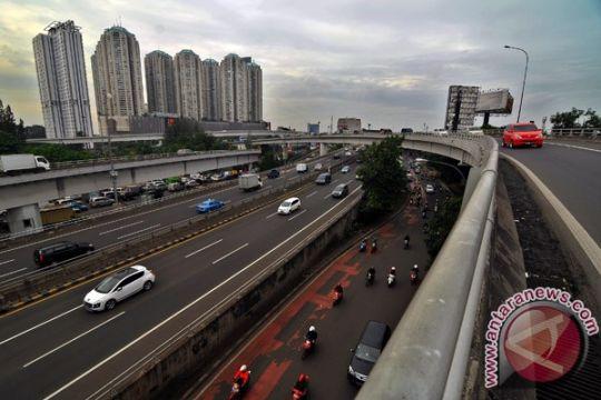 Polisi buru ratusan pengendara motor terobos Tol Ancol