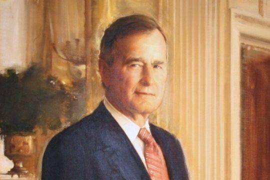 George Herbert Walker Bush alami patah tulang leher