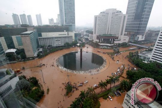SBY: pemerintah pusat anggarkan rp2 triliun tanggulangi banjir
