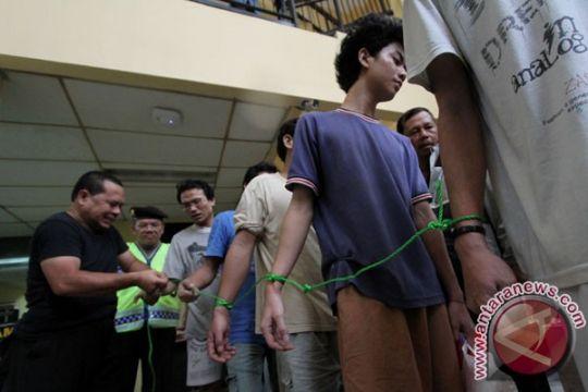 48 orang tahanan Polsek Tanjung Duren dievakuasi