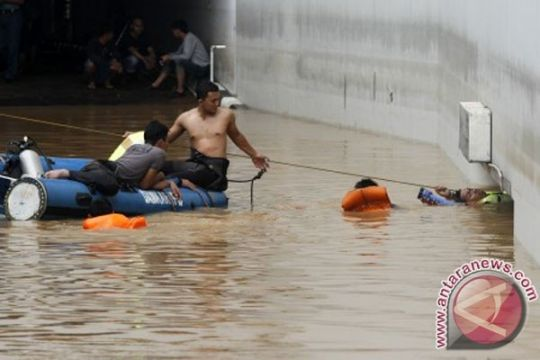 60 personel Damkar dikerahkan untuk evakuasi di UOB