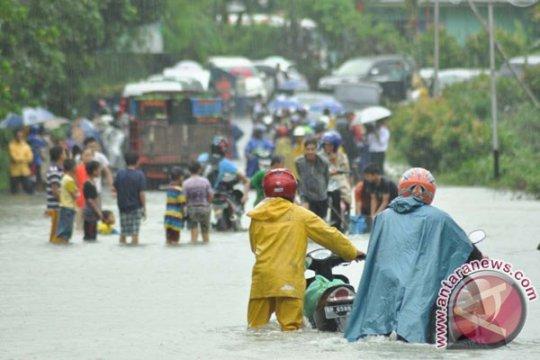 Pemkab Bintan bangun pos penanganan korban banjir