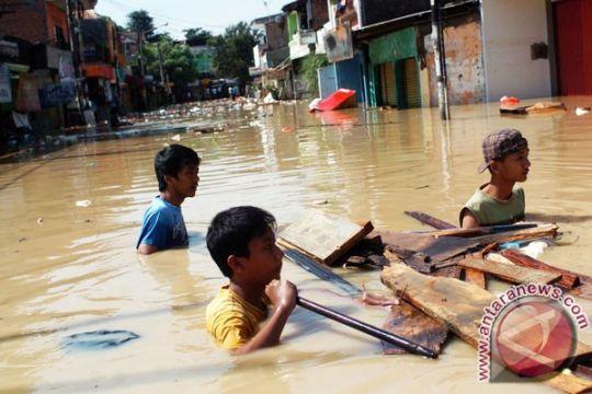 Empat bocah SD tewas akibat terhanyut banjir