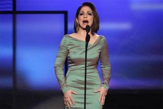 Tanpa Trump, Kennedy Center beri penghargaan pada Lionel Richie dan Gloria Estefan
