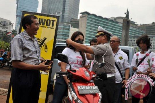 Forwot bagikan 1.000 masker gratis