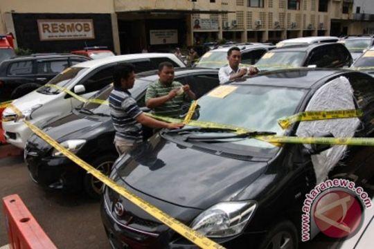 "Polisi sita 13 mobil ""bodong"" anggota polres"