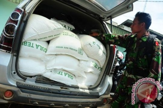 Polsek Tayan amankan 75 karung gula ilegal
