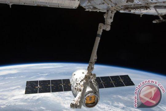 Pesawat kargo Dragon tunda pulang ke Bumi
