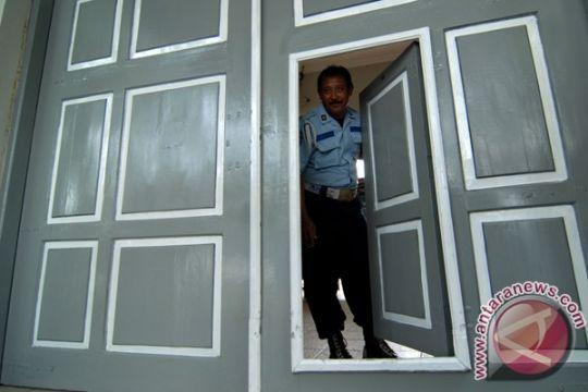 Penghuni lapas Jawa Timur kelebihan kapasitas