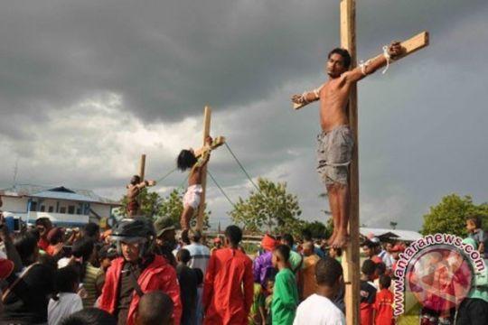 Umat Katolik misa kudus Kamis Putih
