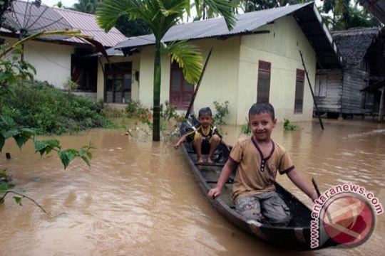 Ratusan keluarga di Mentawai mengungsi akibat banjir