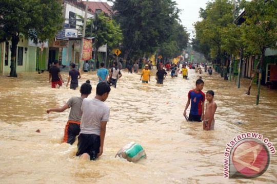 Banjir landa 12 desa di Mandailing Natal