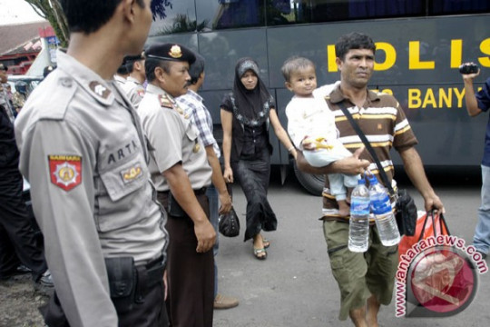 Tiga WNA asal Jerman dan Thailand dideportasi