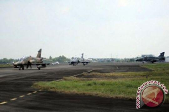 Dua personel TNI AU luka parah saat relokasi warga