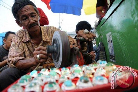 Pasar wisata Bukittinggi menjadi sentra batu akik