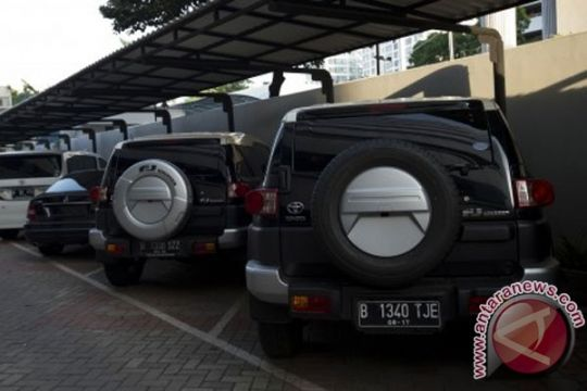 KPK segel lima mobil terkait Luthfi