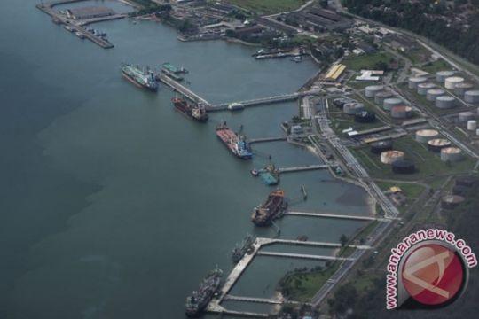 Penyelam kesulitan lihat pipa minyak yang patah di perairan Balikpapan