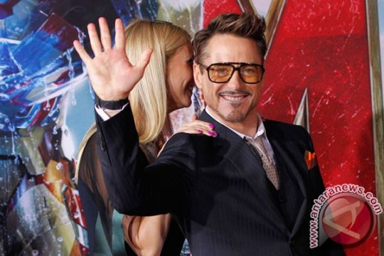 Robert Downey Jr ikut main di Captain America 3