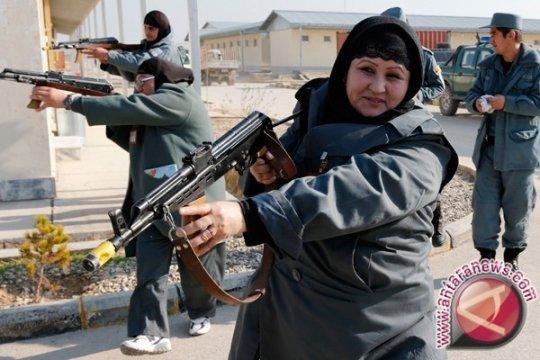 Perempuan polisi di Afghanistan tewas diserang