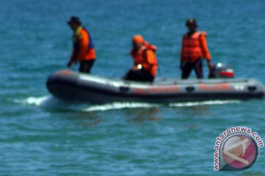 Tim SAR sisir Pantai Ujunggenteng cari wisatawan hilang
