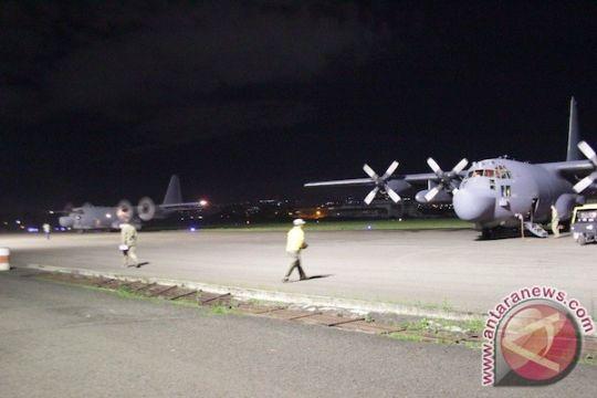 Dua C-130 Hercules Angkatan Udara Amerika Serikat mendarat di Bandung