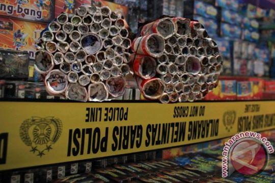 Polisi Padang Panjang sita 20 ribu petasan