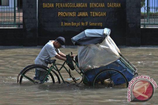 Korban banjir HST harapkan bantuan pakaian dalam