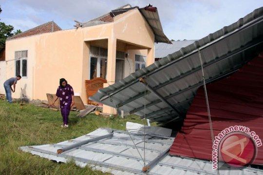 Angin puting beliung terjang 13 bangunan di Bener Meriah