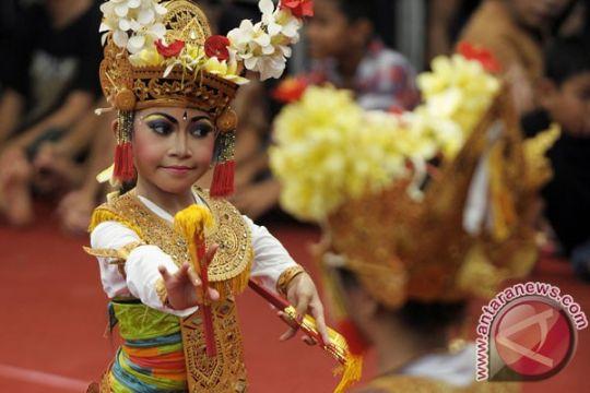 Kolaborasi seniman Amerika-Bali bius penonton PKB