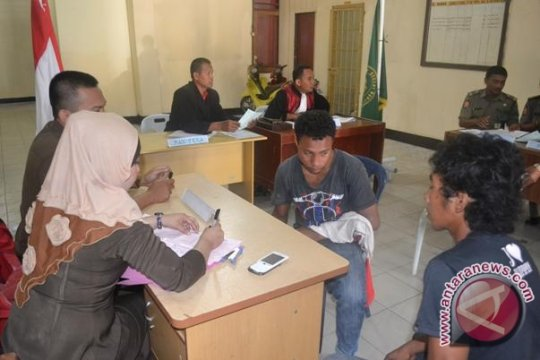 Seorang warga divonis karena kampanyekan caleg di tempat kursus